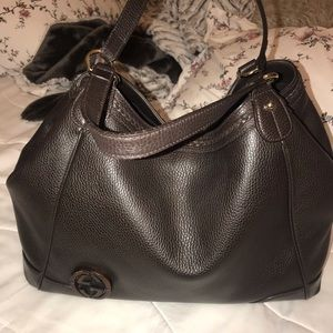 Large leather Gucci hobo bag.